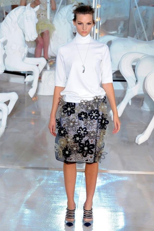 Неделя моды в Париже: Louis Vuitton весна 2012. Изображение № 39.