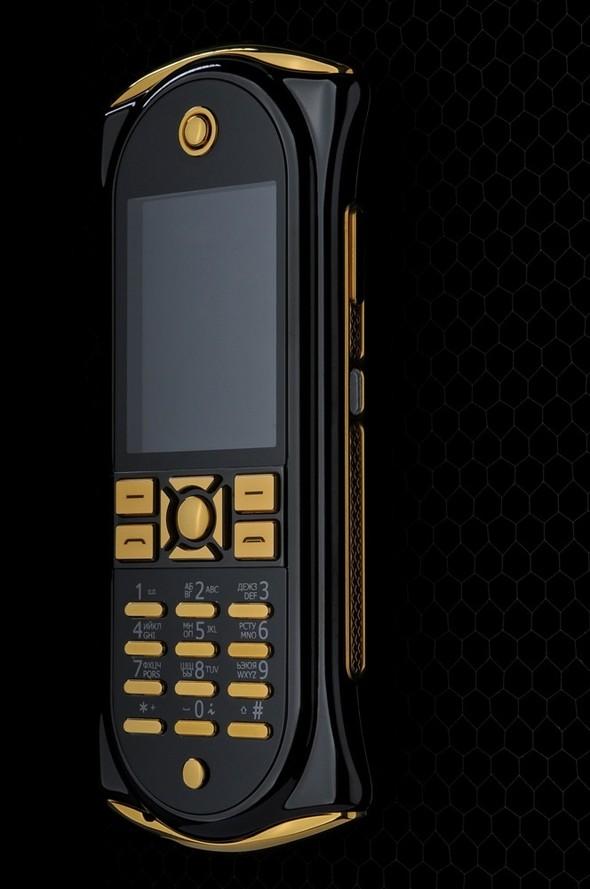 The Q - когда мобильный телефон подчеркивает безупречный статус. Изображение № 3.