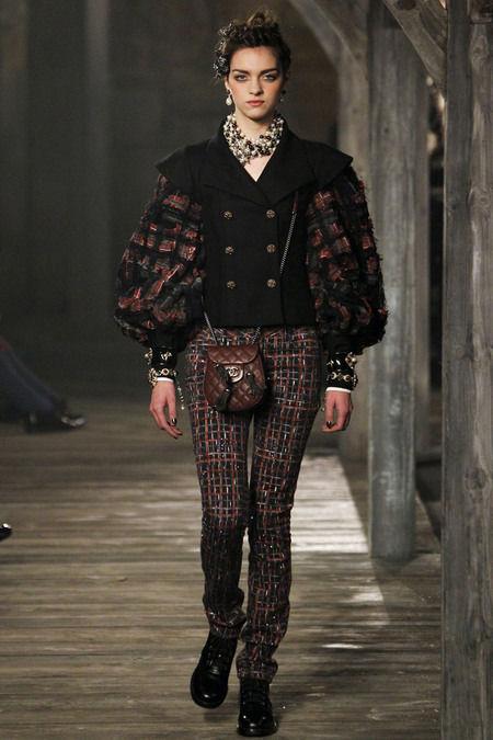 В Шотландии прошел предосенний показ Chanel. Изображение № 4.