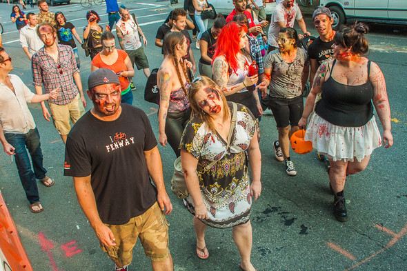 Зомби парад в Нью Йорке. NYC Zombie Crawl.. Изображение № 34.