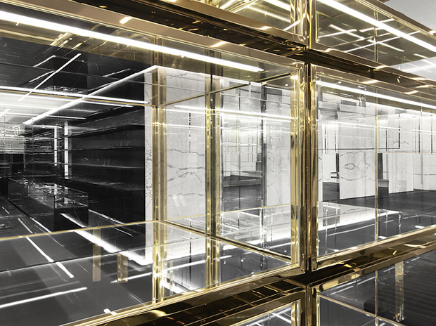 Эди Слиман разработал дизайн бутика Saint Laurent. Изображение № 10.