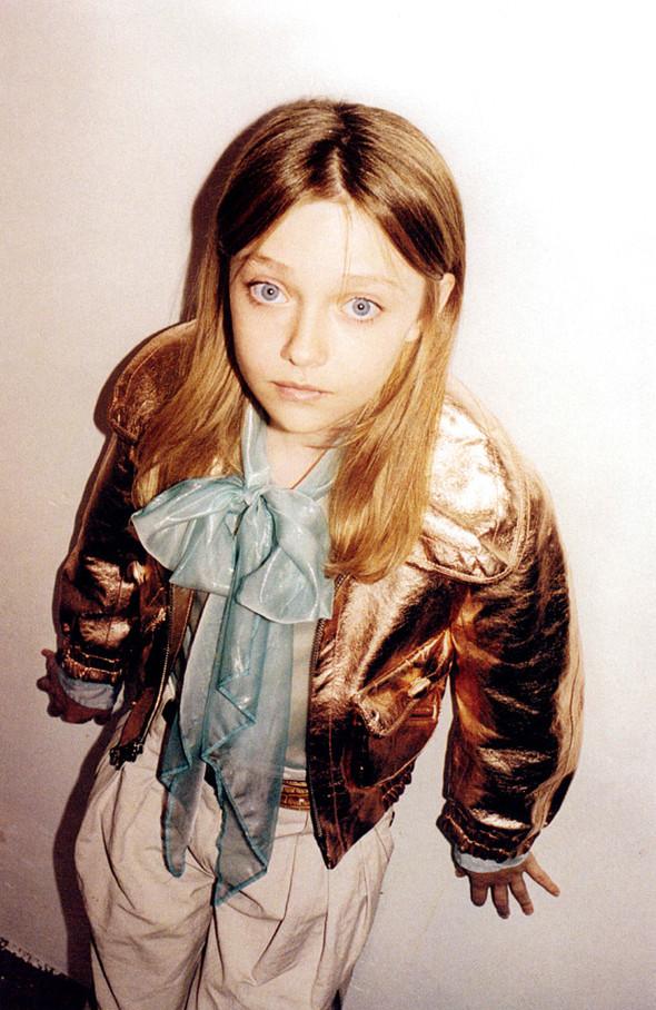 Архивная съёмка: Дакота Фаннинг для кампании Marc Jacobs SS 2007. Изображение № 8.