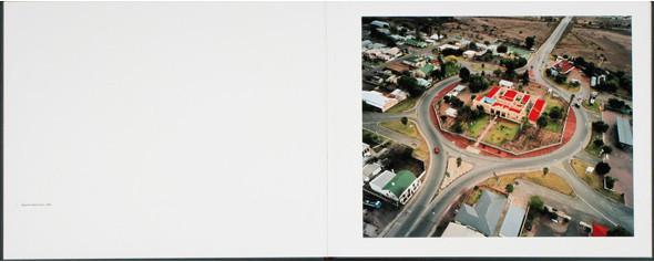 12 альбомов фотографий непривычной Африки. Изображение № 125.