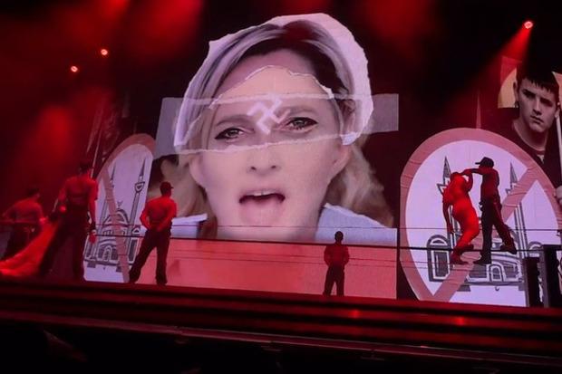 Выборы-выборы: Мадонну зашикали за агитацию на концерте. Изображение № 2.