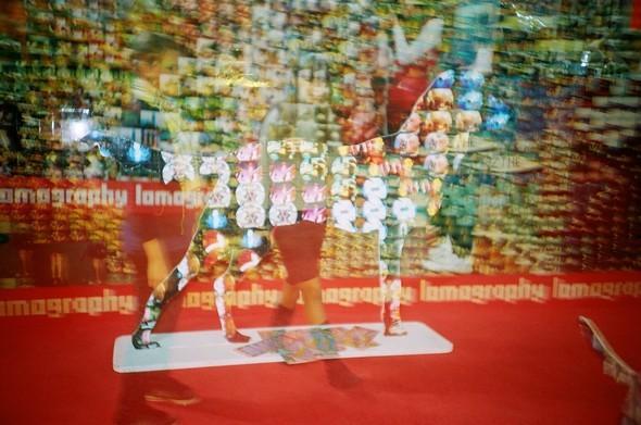 Этовам неигрушки! ИлиЛомография наФотоярмарке'09. Изображение № 17.