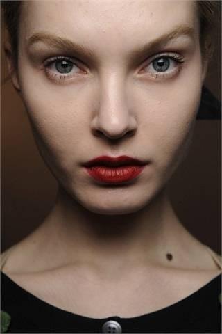 Red lipstick. Изображение № 22.