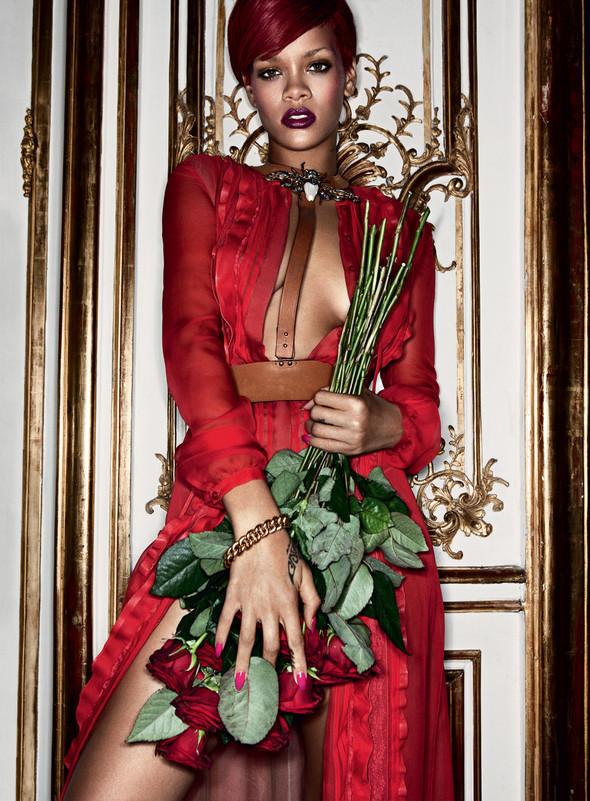 Rihanna в журнале Interview. Изображение № 5.