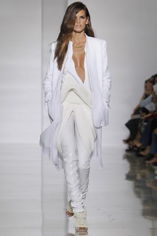 Epic fails: Увольнение Гальяно, коллекция Уэста и другие модные провалы 2011 года. Изображение № 11.