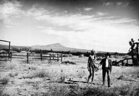 Съёмка: Лара Стоун в объективе Питера Линдберга. Изображение № 3.