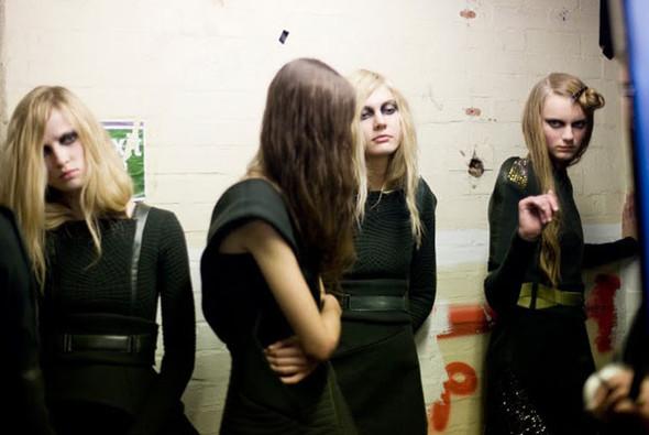 Бэкстейдж Лондонской недели моды. Изображение № 21.