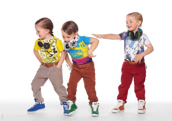 Все лучшее детям: лукбуки D&G, Gucci, John Galliano, Burberry. Изображение № 3.