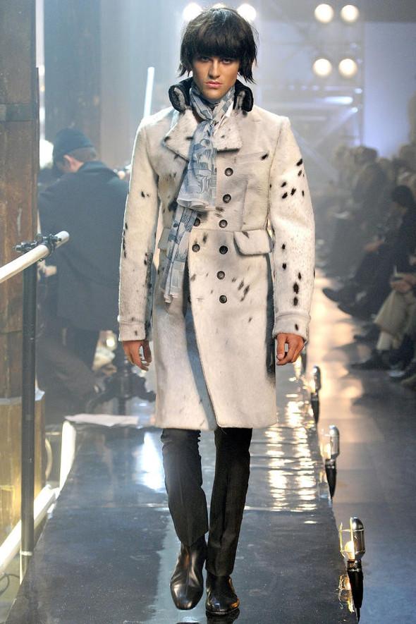Джон Гальяно/ Осень-зима 2011/ Неделя моды в Париже. Изображение № 8.