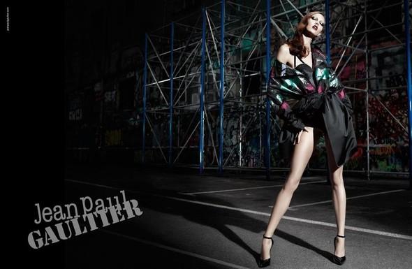 Превью кампаний: Givenchy, Jean Paul Gaultier, Versace и другие. Изображение № 4.