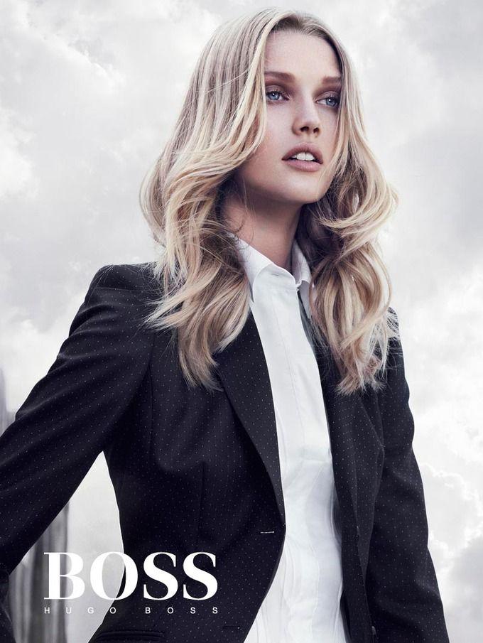 Вышли кампании Dior, Prada, Louis Vuitton и других марок. Изображение № 17.
