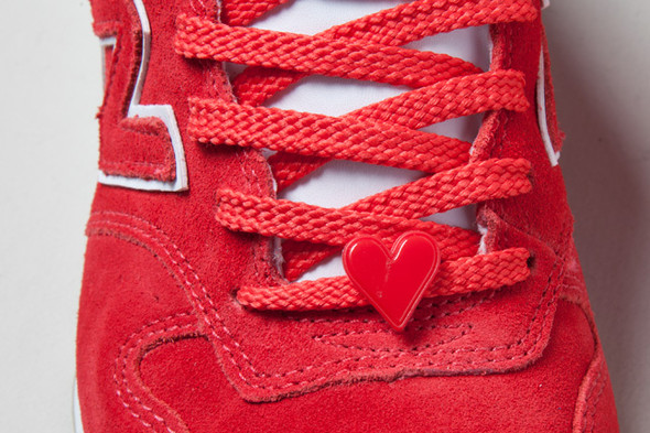 NEW BALANCE 996 HAPPY VALENTINES DAY. Изображение № 3.
