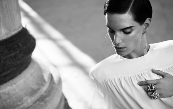 Съемка: Белая Ирис в Vogue Germany October 2011. Изображение № 14.
