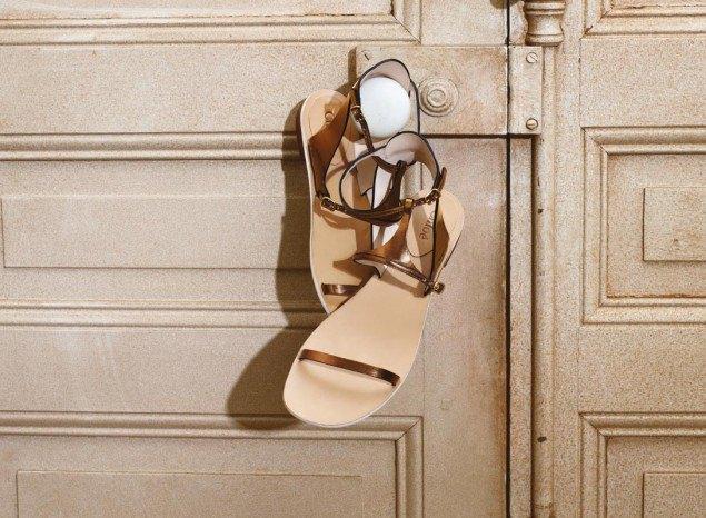 Chanel, Trends Brands и Urban Outfitters показали новые лукбуки. Изображение № 36.