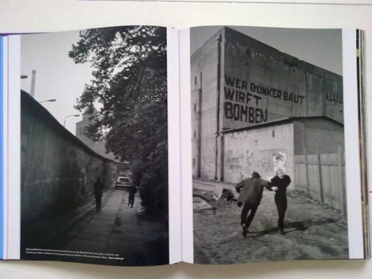 10 альбомов о современном Берлине: Бунт молодежи, панки и знаменитости. Изображение №122.