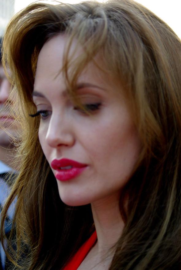 Анджелина нагревает Москву. Изображение № 24.