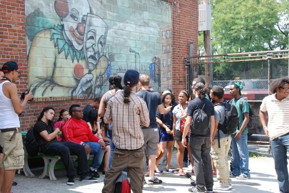 Настоящие школьники из Бронкса на съемках «Мы и я» Мишеля Гондри. Изображение №1.