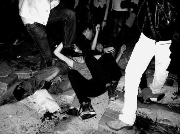 Короли вечеринок: 10 фотографов, снимающих светские и молодежные тусовки. Изображение № 102.