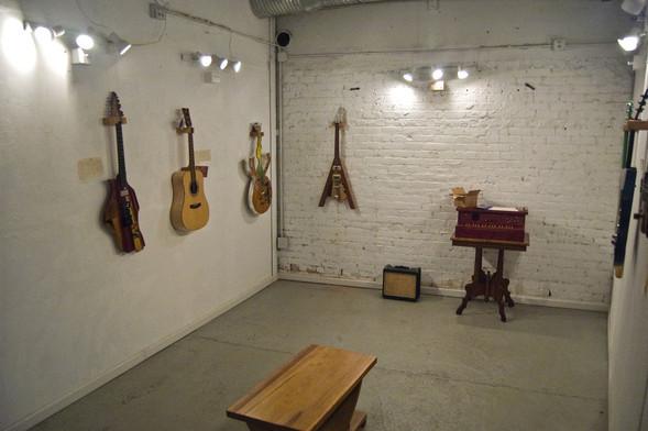 Странные гитары Бена Симона. Изображение № 1.