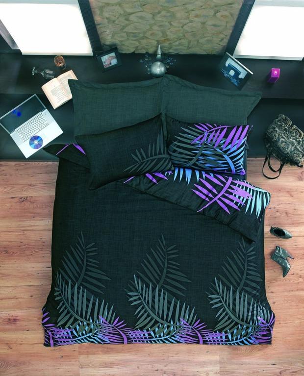 ТОП 10 темных комплектов постельного белья. Изображение № 8.