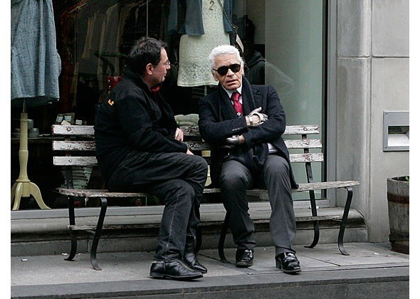 Chanel и Emporio Armani устроили публичные съемки. Изображение № 10.