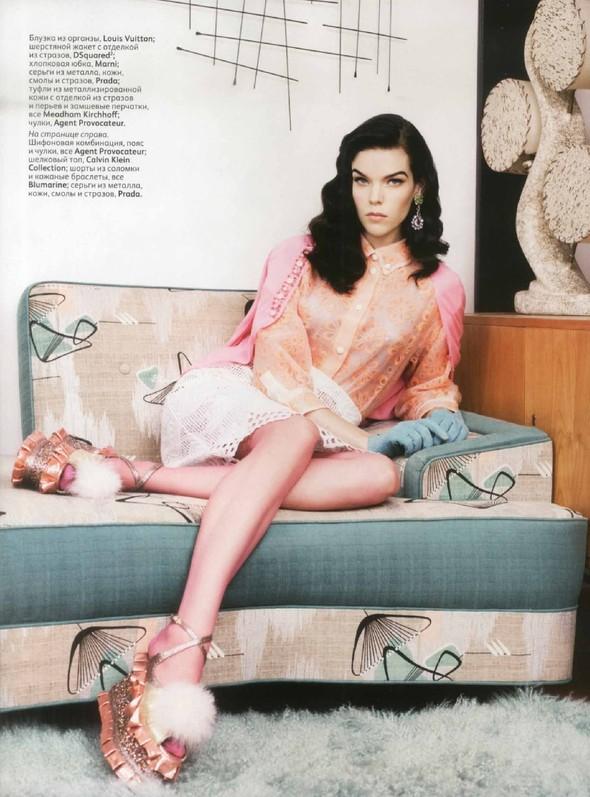 Съёмка: Меган Коллисон для российского Vogue. Изображение № 7.