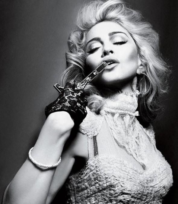 Мадонна в фото Мерта Аласа и Маркуса Пигготта для журнала Interview. Изображение № 2.