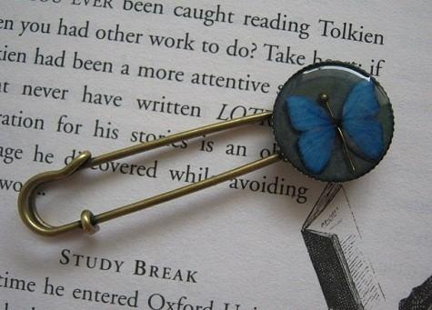 Бабочка и горностай. Изображение № 1.