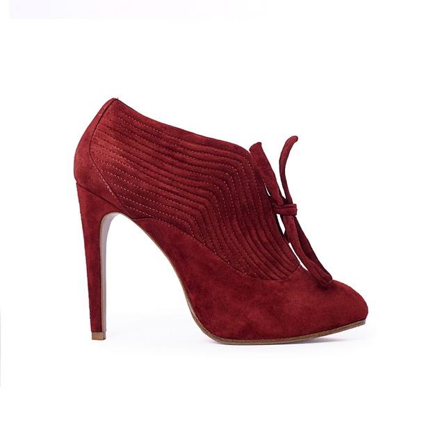 Дизайнер дома Alexander McQueen создал коллекцию обуви для CORSOCOMO. Изображение № 4.