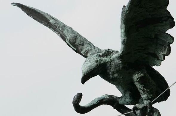 Скульптуры Джерзи Кедзиоры, парящие в воздухе. Изображение № 13.