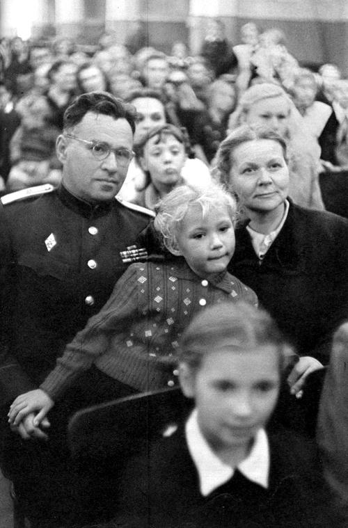 Советская Москва глазами Анри Картье-Брессона. Изображение № 6.