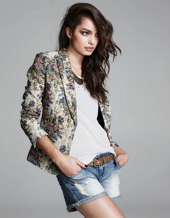 Лукбуки: H&M, Zara, Urban Outfitters и другие. Изображение №58.