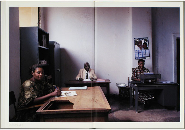12 альбомов фотографий непривычной Африки. Изображение № 148.