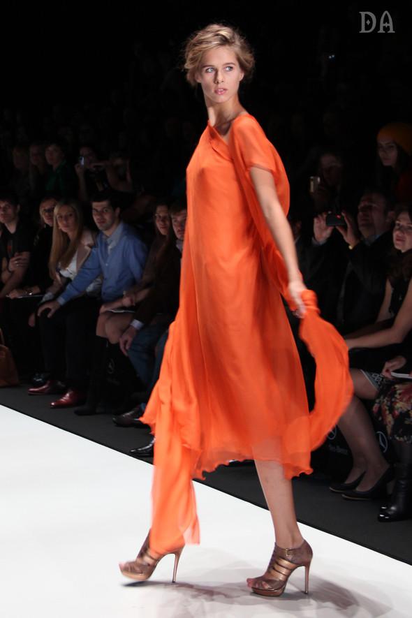 Mersedes-benz fashion week Russia, день первый. Показ Лены Карнауховой. Изображение № 11.