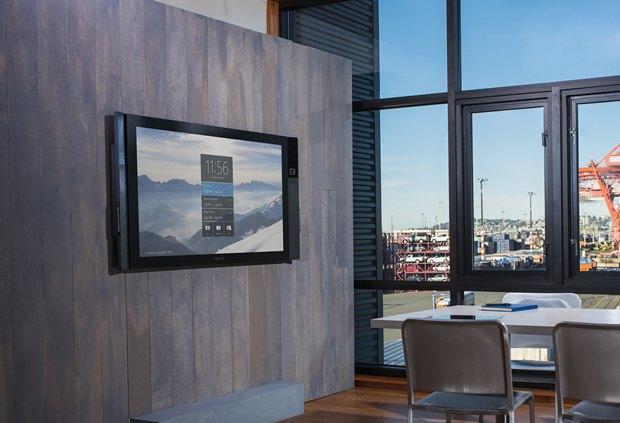 Microsoft назвала цену тачскрина на84 дюйма Surface Hub. Изображение № 1.