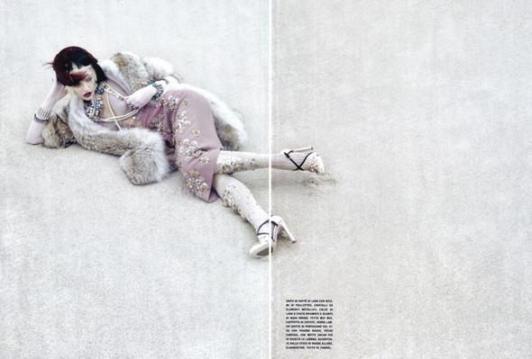 Изображение 7. Sasha Pivovarova byCraig McDean forVogue Italia.. Изображение № 6.