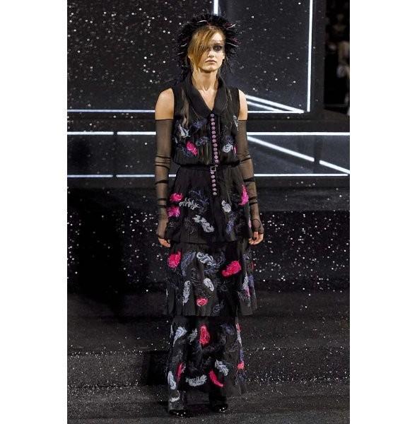 Изображение 7. Показ коллекции Chanel Haute Couture FW 2011.. Изображение № 7.