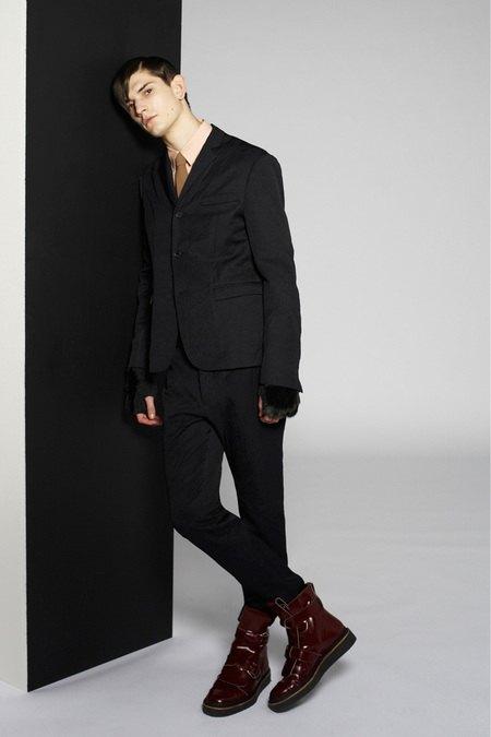 Marni и Marc Jacobs выпустили новые лукбуки. Изображение № 24.