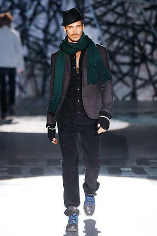 Что носить осенью: мужские показы в Милане. Изображение № 244.
