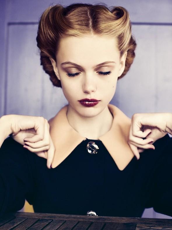 Съёмка: Фрида Густавссон для Elle. Изображение № 1.