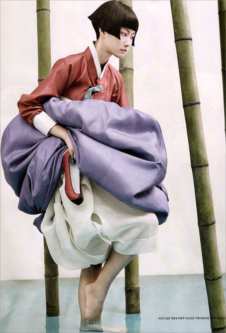 The Grace of the HanBok (Vogue Korea October 2007). Изображение № 3.