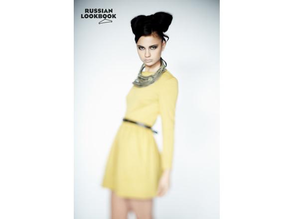 Платье I am, колье Die Blonde, ремень Daria Bardeeva. Изображение № 11.