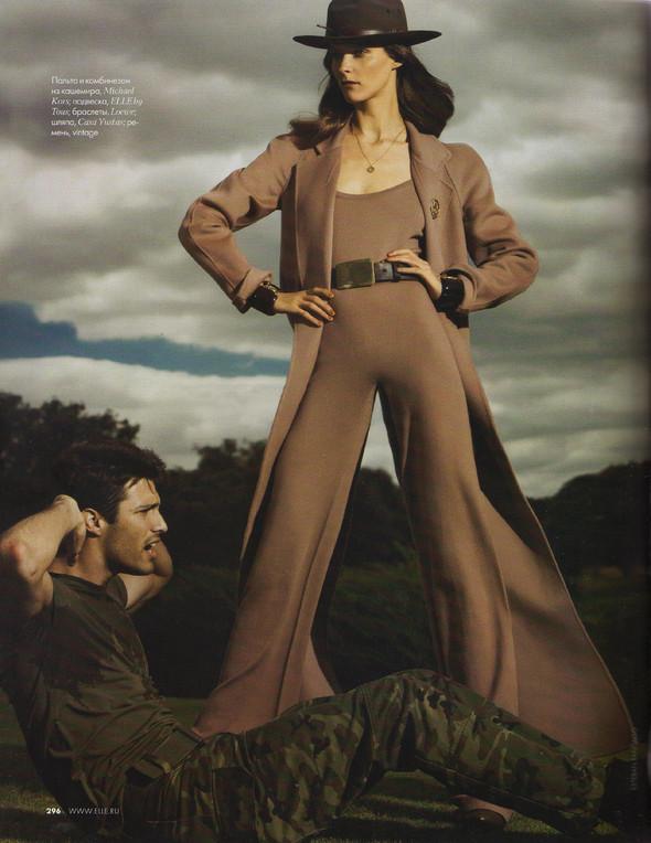 Съёмка: Кармен Касс для российского Elle. Изображение № 5.