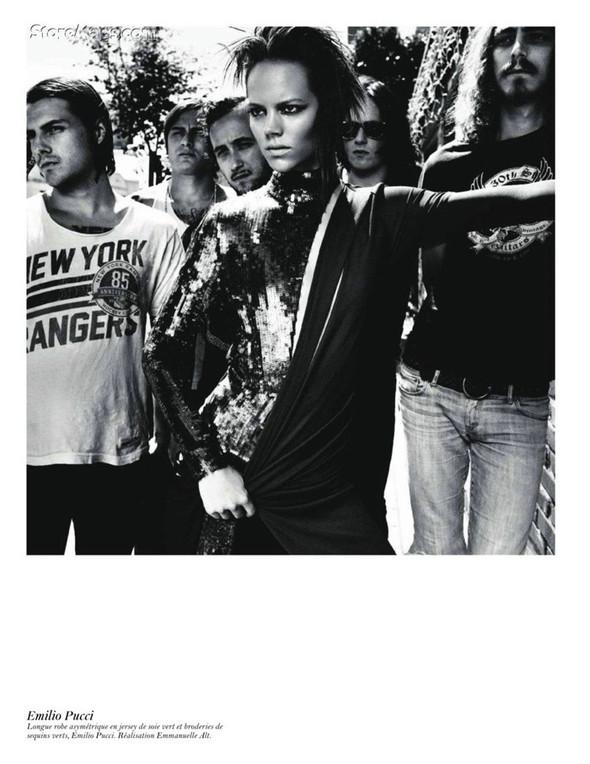 Съёмка: Аризона Мьюз, Лара Стоун, Наташа Поли и другие модели во французском Vogue. Изображение № 5.