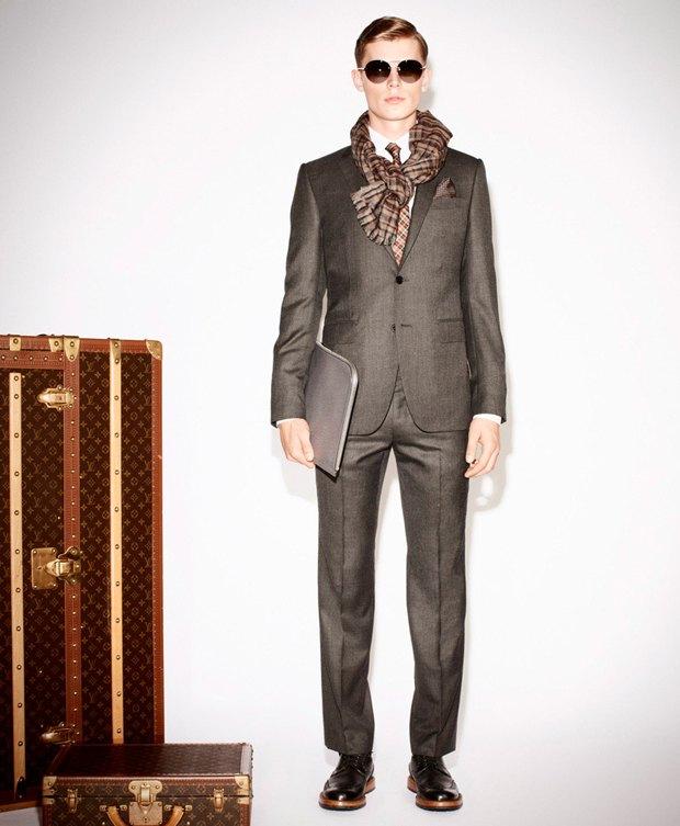 Показаны новые лукбуки Gucci, Louis Vuitton и Prada. Изображение № 32.