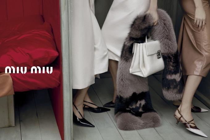Miu Miu выпустили кампанию с Крус и Лимой. Изображение № 3.