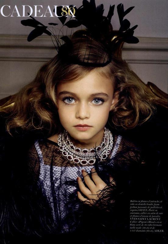 Маленькие модели в Vogue Paris. Изображение № 4.